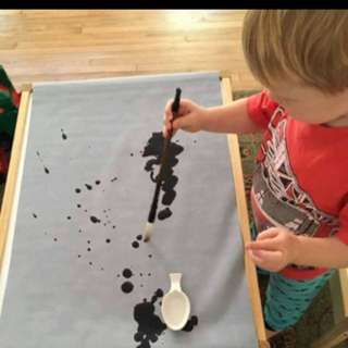 Mess free water paint scroll
