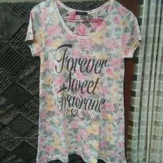 T-shirt pink bunga