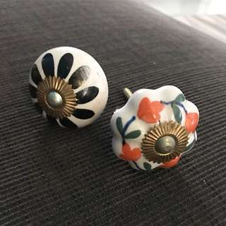 Vintage knobs for chestdrawers/doors