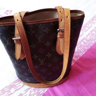 Louis Vuitton monogram canvas petit bucket (preloved)further discount for CNY