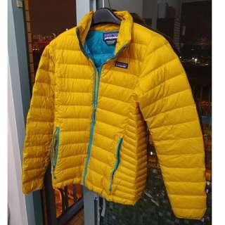 Patagonia 黃色羽絨 ( XS )