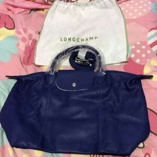 Longchamp Cuir leather medium sling bag in blue colour