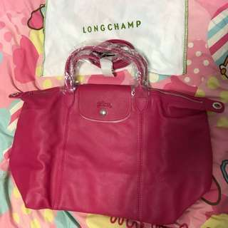 Longchamp Cuir leather medium sling bag in pink colour