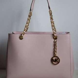 Michael Kors Saffiano Leather Susannah Large Tote Chain Handbag/Purse Shoulder Bag (pink)