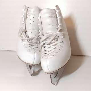 Edea 220 溜冰鞋