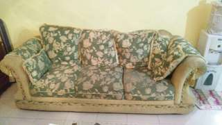 Dijual satu set sofa warna hijau