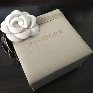 正版PANDORA飾物盒+原裝花形橡筋