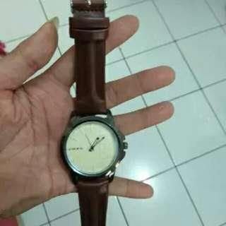jam tangan cwe or cwo