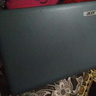 "Acer laptap aspire 4250 dual core 14"" HD LED LCD ,amd radeon 4GB ddrR3 memory 500GB 6cell Li ion battery"