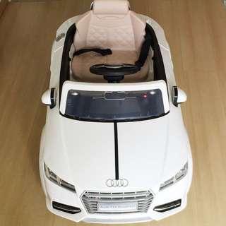 AUDI Kids Electric Car
