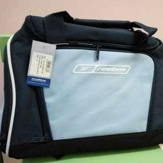 Reebok 海軍藍旅行袋