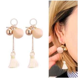 Geometrical velvet ball tassel earrings cream +beige tassel