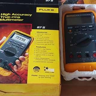 Fluke 87 III Digital Voltmeter