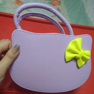 Hello kitty Sling Bag for kids and ladies.