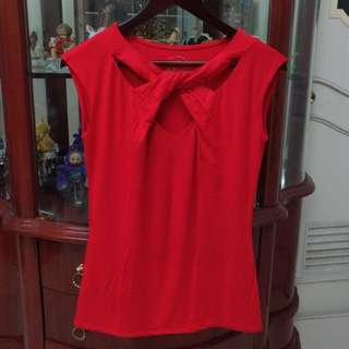 Red Knot Sleeveless Top