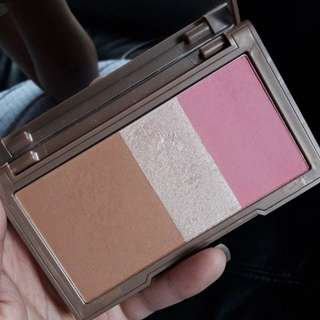 Urban Decay Naked Flushed in Native