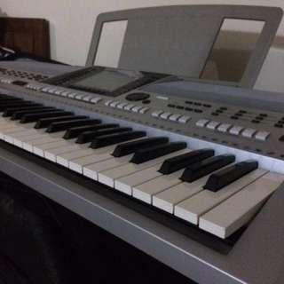 Keyboard Yamaha PSR - S900
