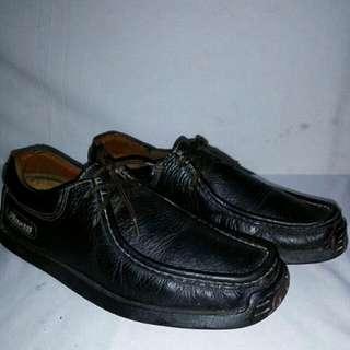 Sepatu finoti original wallaby