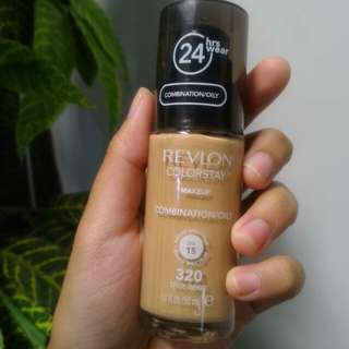 Revlon Colorstay Foundation 320 (True Beige)