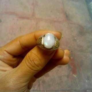 Batu cincin badar bulan air laut
