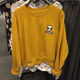 PULL&BEAR mustard sweatshirt with allien patch
