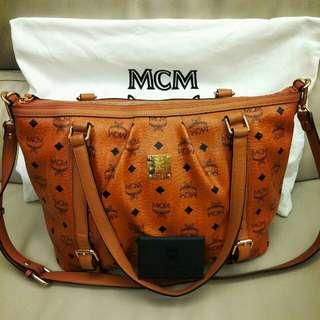 95%New韓國MCM經典logo款中型手袋