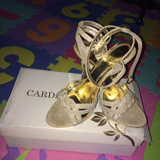 Cardam's heel shoes