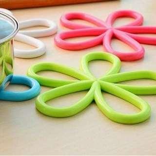 Tatakan anti panas / anti hot flower-shape pad