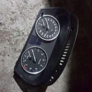 BMW 523i Meter Guage
