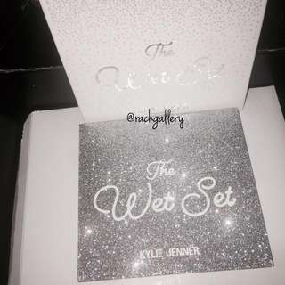 Instock Sale! Kylie Wet Set Holiday Edition PRESSED ILLUMINATING POWDER