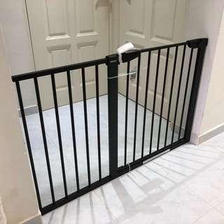 *BRAND NEW* Black Safety Gate