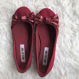 PAYLESS RED GLITTER FLATS SIZE 7.5