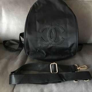 全新Chanel限量版VIP會員贈品 全黑色兩用背包/斜咩 旅行袋 Black Backpack/ Crossbody Bag