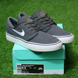 NIKE SB STEFAN JANOSKI GREY WHITE PREMIUM BNIB MADE IN CHINA BAHAN CANVAS, RUBBER SOLE SIZE: 40/41/42/43/44