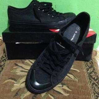 Sepatu Airwalk 41