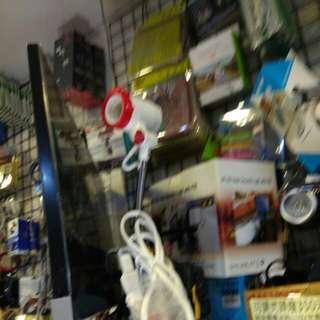 插110V夾燈(可裝E27型號燈泡)150元限來店買點我旋轉頭像看店址與看更多商品