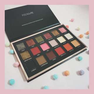 "Focallure 18 shades eyeshadow pallete ""bright lux"""