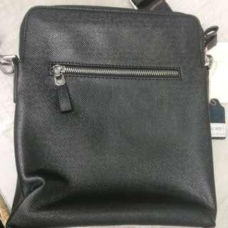 Grandir sling bag