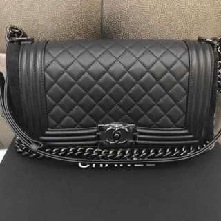 Chanel le boy old medium