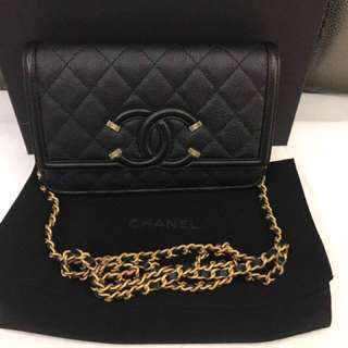 Chanel Filigree wallet on chain