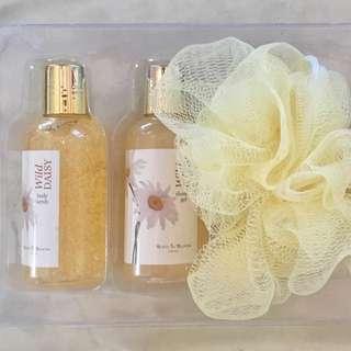 Bath in Bloom Wild Daisy Gift Set