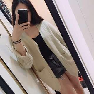 米色針織外套
