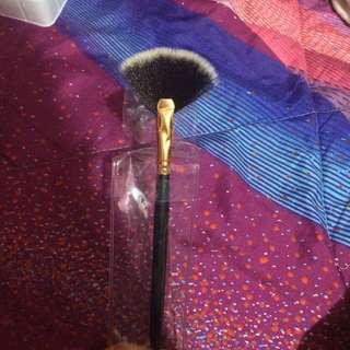 Fan Brush Used For Highlighting