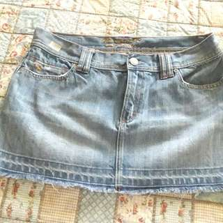 Maong mini skirt. Abercrombie and Fitch. Large.