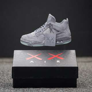 Nike Air Jordan 4 Retro Kaws - Grey