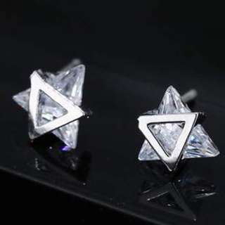 Anting Tusuk minimalist triangle pure color earrings