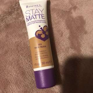 Staymatte rimmel foundation