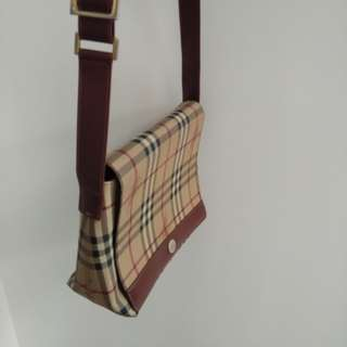 Auth Burberry Sling
