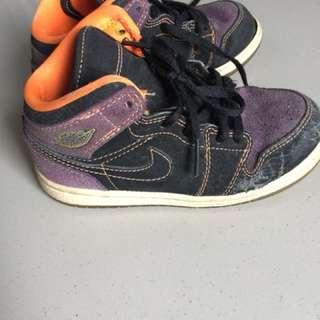 Sepatu jordan beli di America made in china warna pudar seperti di foto