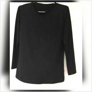 Black manset t-shirt